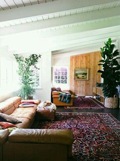 Love the rugs and the plants. Very calm and cozy