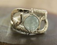 Sterling silver ring with round pale blue aquamarine stone - Sizes 5-12