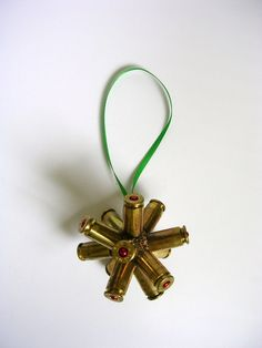 I know a few men who would like this - Merry Christmas. Bullet Shell Jewelry, Bullet Casing Jewelry, Bullet Necklace, Bullet Casing Crafts, Bullet Crafts, Diy Christmas Ornaments, Holiday Crafts, Merry Christmas, Christmas Ideas