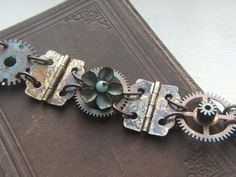 jewelry hinges, bracelets, hing gear, upcycl bracelet, jewelri, gears, gear bracelet, jewelry from hinges, hinge jewelry
