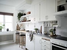 my scandinavian home: A Swedish home with sand and blush accents