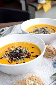 Krémová dýňová polévka v thajském stylu s gomasiem | KořeníŽivota.cz Pudding, Desserts, Food, Tailgate Desserts, Deserts, Custard Pudding, Essen, Puddings, Postres