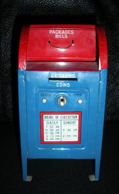 mailbox piggy bank They just don't make toys like this anymore! Mason Jar Bank, Cool Mailboxes, Penny Bank, Savings Jar, You've Got Mail, Money Box, French Antiques, Red And White, Mail Boxes