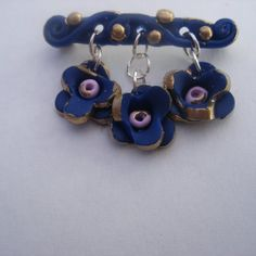 spring brooch pin  flower pin  blue/gold by LiloLilsEmporium