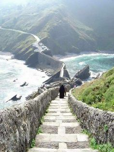 San Juan de Gaztelugatxe on the coast of Biscay Basque Country, Spain Places To Travel, Places To See, Wonderful Places, Beautiful Places, Magic Places, Basque Country, Spain Country, Spain Travel, Adventure Is Out There
