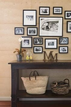 Imágenes de diferentes estancias que incluyen letras en su decoración