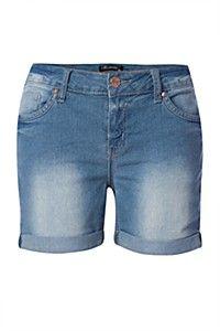 We doing shorts en shades dis summer Cute Shorts, Denim Shorts, Spring Fashion, Kids Fashion, Bermuda Shorts, Thighs, My Style, Lady, Casual