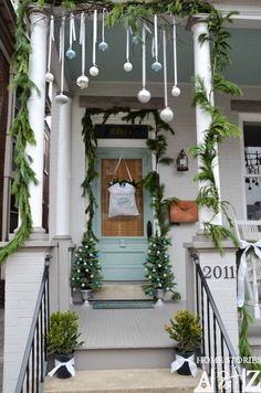 Decorate your home with these simple Outdoor Christmas Decoration ideas! Pin this to your Christmas Board! Decorate your home with these simple Outdoor Christmas Decoration ideas! Pin this to your Christmas Board! Porch Christmas Lights, Christmas Door, Blue Christmas, All Things Christmas, Christmas Holidays, Christmas Ideas, Natural Christmas, Christmas Candle, Turquoise Christmas