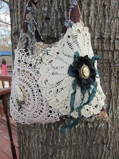 Victorian Vintage decorated Brocade purse... I want to make this