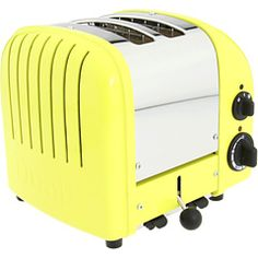 Love this yellow toaster!