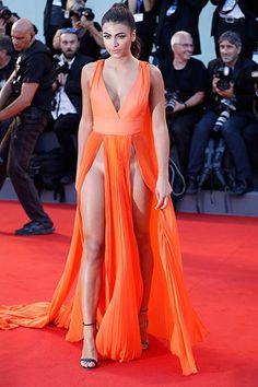 Un look audaz. La modelo Giulia Salemi dejó a la vista sus líneas de bronceado…