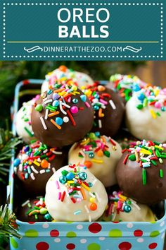 This recipe for Oreo balls is Oreo cookie filled truffles dipped in chocolate, then decorated in a variety of sprinkles. Oreo balls are perfect for gift giving around the holidays and also make great party favors. Christmas Cake Pops, Christmas Desserts, Christmas Treats, Christmas Baking, Christmas Truffles, Oreo Ball, Oreo Cake Balls, Oreo Cookies, Homemade Truffles