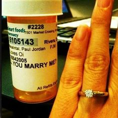 wedding proposal creative Use the perks of your job to your advantage. Cute way to ask someone to marry you :) Pharmacy Humor, Pharmacy School, Pharmacy Technician, Wedding Proposals, Marriage Proposals, Perfect Proposal, Cute Proposal Ideas, Proposal Photos, Creative Proposal Ideas