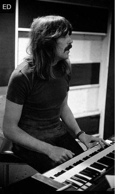 Jon Lord, Music Pics, Rock N Roll Music, Classic Rock, Deep Purple, Hard Rock, Music Artists, Heavy Metal, Purple Stuff