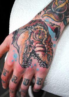 Kate Mackay Gill - Tattoo Workshop | Premier Brighton Tattoo Studio Knuckle Tattoos, Skull Tattoos, Body Art Tattoos, Hand Tattoos, Full Body Tattoo, Get A Tattoo, Tattoo Studio, Hand And Finger Tattoos, Brighton Tattoo