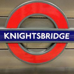 London Underground Train, London Underground Stations, England Uk, London England, Tube Stations London, Southern Ireland, Places In England, Cast Acrylic, London Transport
