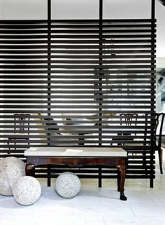 These 21 Simple Room Divider Ideas Are Seriously Transformative Foyer Design, Design Entrée, House Design, Interior Design, Booth Design, Design Ideas, Casa Retro, Retro Home, Halle