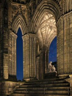 FUCKITANDMOVETOBRITAIN — scotianostra:     The Scott Monument with its...