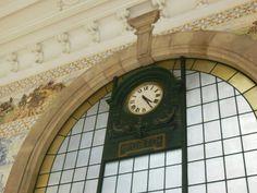 Reloj en la estación de tren de #Oporto (#Portugal).