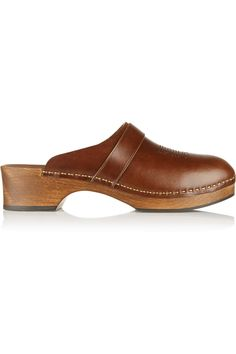 gorgeous tan leather clogs