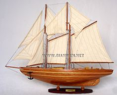 Bluenose Model - Bluenose was a Canadian fishing and racing schooner from Nova Scotia built in 1921.