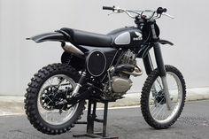 Honda XL500 done up for vintage motocross - Deus Ex Machina Malachi Crunch Dirt Bike