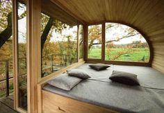 treehouse bedroom, treehouse house, trees bedroom, wood bedroom, tree trunk bedroom