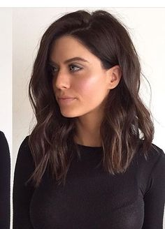 Trendy Long Bob Haircut Still uncertain about whether you want to wear long hair or make a bob cut? Here are the 25 best long bob haircuts for women! Long Bob Haircuts, Long Bob Hairstyles, Trending Hairstyles, Long Brunette Hairstyles, Lob Hairstyle, Everyday Hairstyles, Formal Hairstyles, Ponytail Hairstyles, Natural Hairstyles