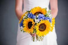 Sunflower and hydrangea bouquet, photo by Nick Walker Photography: nickwphotography.com