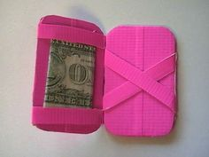 Magic Duct Tape Wallet - no sewing involved!): It's a magic wallet, made out of duct tape. Duct Tape Projects, Duck Tape Crafts, Crafty Projects, Simple Projects, Simple Crafts, Creative Crafts, Sewing Projects, Devon, Duck Tape Wallet