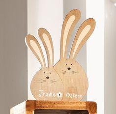 """Hasenfigur """"Frohe Ostern"""" jetzt für 11,50 € kaufen im Frank Flechtwaren und Deko Online Shop"""