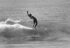David Kealohalani Nuuhiwa III more commonly known as David Nuuhiwa is a Hawaiian surfer vintage longboarding david nuuhiwa music by the supertones David n Vintage Surfing, Surfer Boys, Photo Class, Surfer Girl Style, Bali Travel, Hawaii Travel, Longboarding, Surf Art, Surfs Up