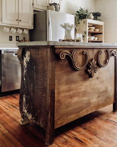 Chic Kitchen Designs 47 Industrial Chic DIY Home Furniture Projects Primitive Kitchen, Rustic Kitchen, Kitchen Decor, Kitchen Ideas, Country Primitive, Kitchen Inspiration, Kitchen Designs, Reclaimed Kitchen, Kitchen Box