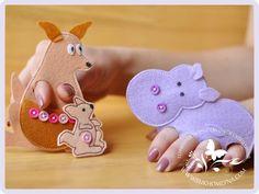 Fingered theater of felt Felt Puppets, Felt Finger Puppets, Hand Puppets, Baby Crafts, Felt Crafts, Operation Shoebox, Felt Play Food, Puppet Crafts, Puppet Making