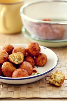 Cekodok Pisang Recipe - Banana Fritters ~ one of evergreen faves <3<3<3 ... never met a malaysian who's not into these mmm