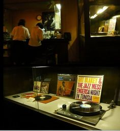 Jazz Coffee House 'JAVA(ジャヴァ)' / Kobe(神戸三宮) Hyogo-pref Japan since 1953 / http://blogs.yahoo.co.jp/osharetenshi/29763291.html