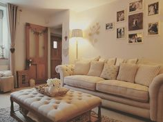 Home Remodeling Questions Answered Cottage Living Rooms, Cottage Interiors, Home Living Room, Living Room Designs, Living Room Decor, Sofa Furniture, Dining Room Furniture, Cosy Lounge, Snug Room