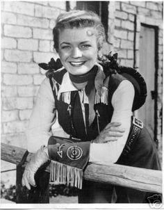 Annie Oakley  Google Image Result for http://maryjuliaoliver.files.wordpress.com/2012/02/annie-oakley_tv_1.jpg