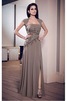Delicate Chiffon Floor-length Short Sleeves Square Mother of the Bride Dresses