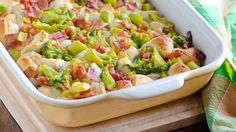 Bacon-Broccoli-Cheese Bubble-Up Bake: This amazing dinner packs a ton of flavor into one dish. Frozen broccoli with cheese sauce is our quick-prep secret. Dinner Recipes Easy Quick, Easy Meals, Yummy Recipes, Weeknight Recipes, Top Recipes, Amazing Recipes, 3 Ingredient Dinners, Pillsbury Recipes, Broccoli And Cheese