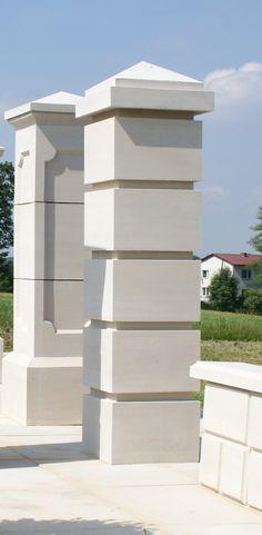 Exterior Wall Design, Fence Design, Concrete Fence Wall, Columns Decor, Compound Wall Design, Pillar Design, Classic House Exterior, Boundary Walls, School Chairs