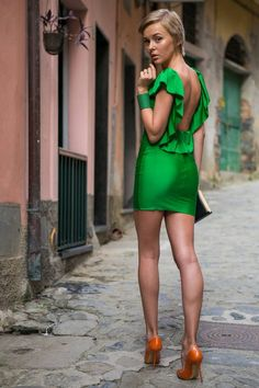 green blackless sexy dress #street #style www.loveitsomuch.com