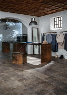 Over-size flooring and coverings | Marazzi - Wood ceiling -