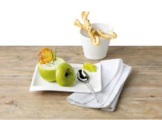 A is for Apple. Apple soup, in apple bowl with apple chip. Apple Soup, Apple Chips, Food Presentation, Love Food, Favorite Recipes, Treats, Tableware, Ethnic Recipes, Tabletop