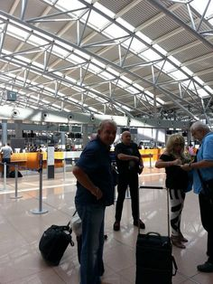 Bonnie Tyler in Hamburg Airport - picture by Jenny Telly Rentsch #bonnietyler #thequeenbonnietyler #therockingqueen #rockingqueen #music #rock #2013 #germany #hamburg #airport