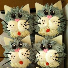 Catsparella: Cat Cupcakes Tuesdays