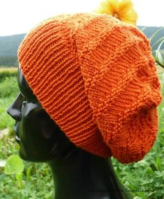 Ravelry: Bonnet Vitamine pattern by Camille Coizy Delahaie Knitted Gloves, Knitted Blankets, Knitting Socks, Baby Knitting, Fingerless Gloves, Loom Knitting Patterns, Knitting Designs, Chapeaux Bonnet Slouchy, Baby Boy Jackets