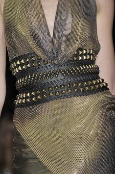 Dress Code: High Fashion — Balmain S/S 10 by Christophe Decarnin Balmain, Christophe Decarnin, Mode Costume, High Fashion, Womens Fashion, Street Fashion, Fashion Pics, Paris Fashion, Bronze