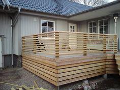 I'm keen on this splendid photo in 2020 Horizontal Deck Railing, Wood Deck Railing, Deck Railing Design, Wood Fence Design, Modern Fence Design, Patio Deck Designs, Modern Deck, Front Yard Design, Railing Ideas