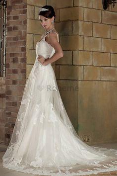 Robe de mariée a salle intérieure a-ligne avec lacets de col en cœur de traîne…